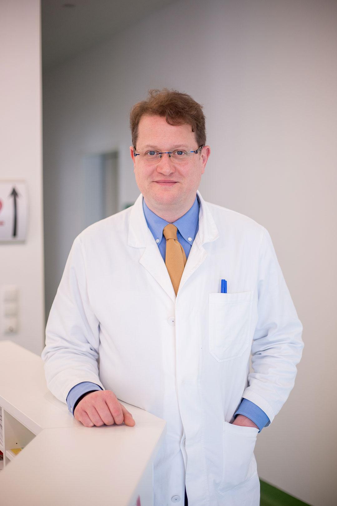 Dr. Schnedl